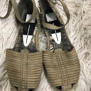 Dolce Vita Shoes - Dolce Vita Esapdrilles!